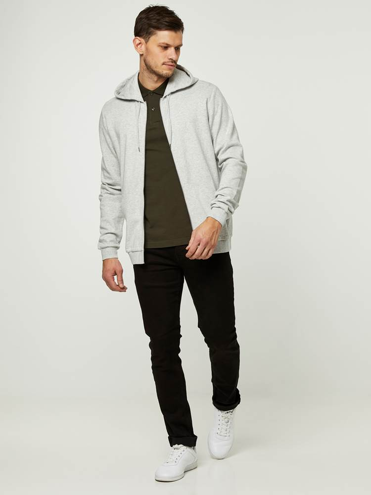 SOFT SWEAT HOOD 7242353_IFY-HENRYCHOICE-S20-Modell-front_4453.jpg_Front||Front