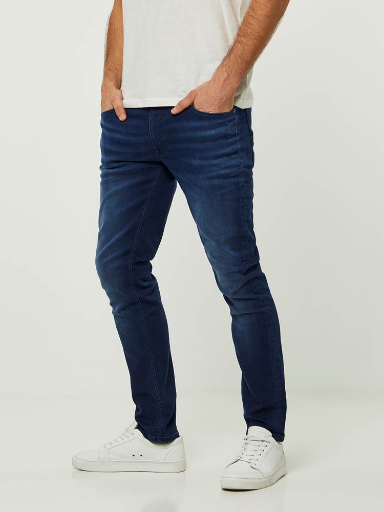 SLIM WILL BLUE OVERDYED BLUE KNIT STRETCH JEANS 7242627_D06-HENRYCHOICE-S20-Modell-left_82411_SLIM WILL BLUE OVERDYED BLUE KNIT STRETCH JEANS D06.jpg_Left||Left