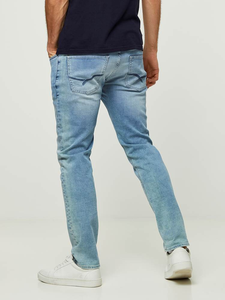 SLIM WILL BLEACH BLUE KNIT STRETCH JEANS 7242639_DAD-HENRYCHOICE-S20-Modell-back_25552_SLIM WILL BLEACH BLUE KNIT STRETCH JEANS DAD.jpg_Back||Back