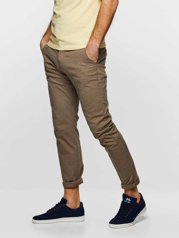 SLIM CHINO STRETCH TWILL 7232808_AGP-MADEBYMONKEYS-S19-Modell-left_SLIM CHINO STRETCH TWILL AGP.jpg_Left||Left