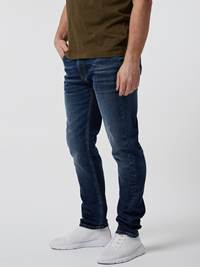 Slim Will Cross Jeans 7246449_D06-HENRYCHOICE-S21-Modell-left_44342_Slim Will Cross Jeans D06.jpg_
