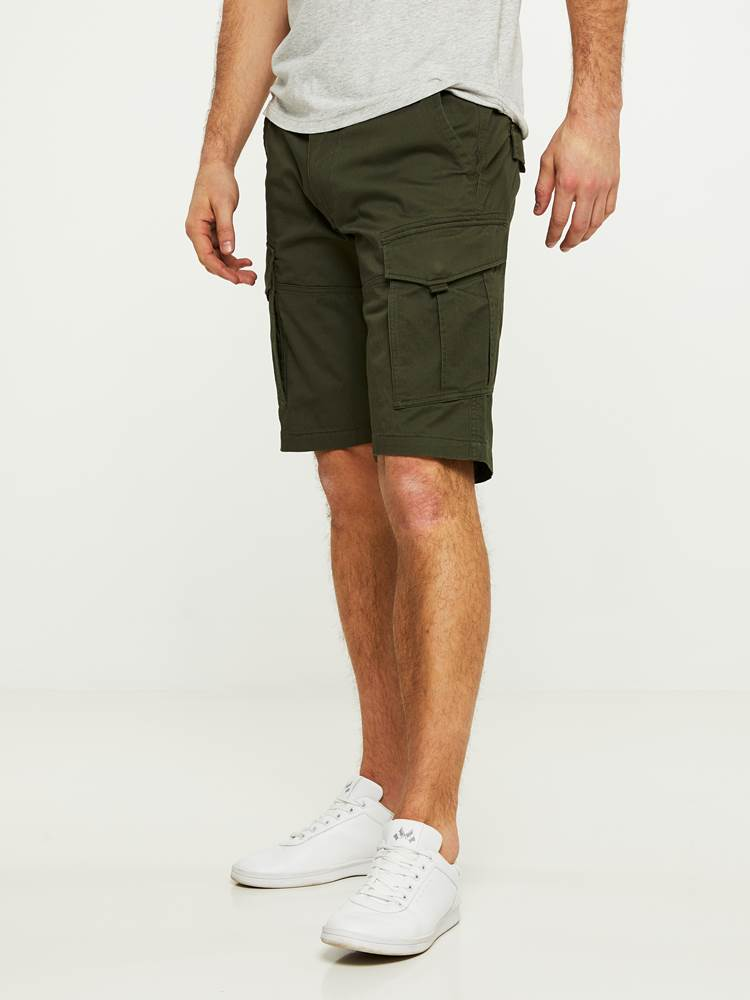CARGO STRETCH BERMUDA SHORTS 7242618_GUC-HENRYCHOICE-S20-Modell-left_66499_CARGO STRETCH BERMUDA SHORTS GUC.jpg_Left||Left