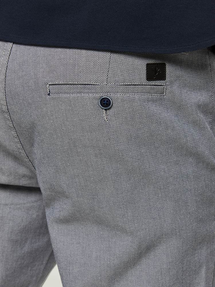 SLIM GREY MELANGE STRETCH CHINO 7242669_HENRY CHOICE_S20_SLIM GREY MEL. STR. CHINO_3_IEL_GRÅ_899_-details_44084_SLIM GREY MELANGE STRETCH CHINO IEL.jpg_