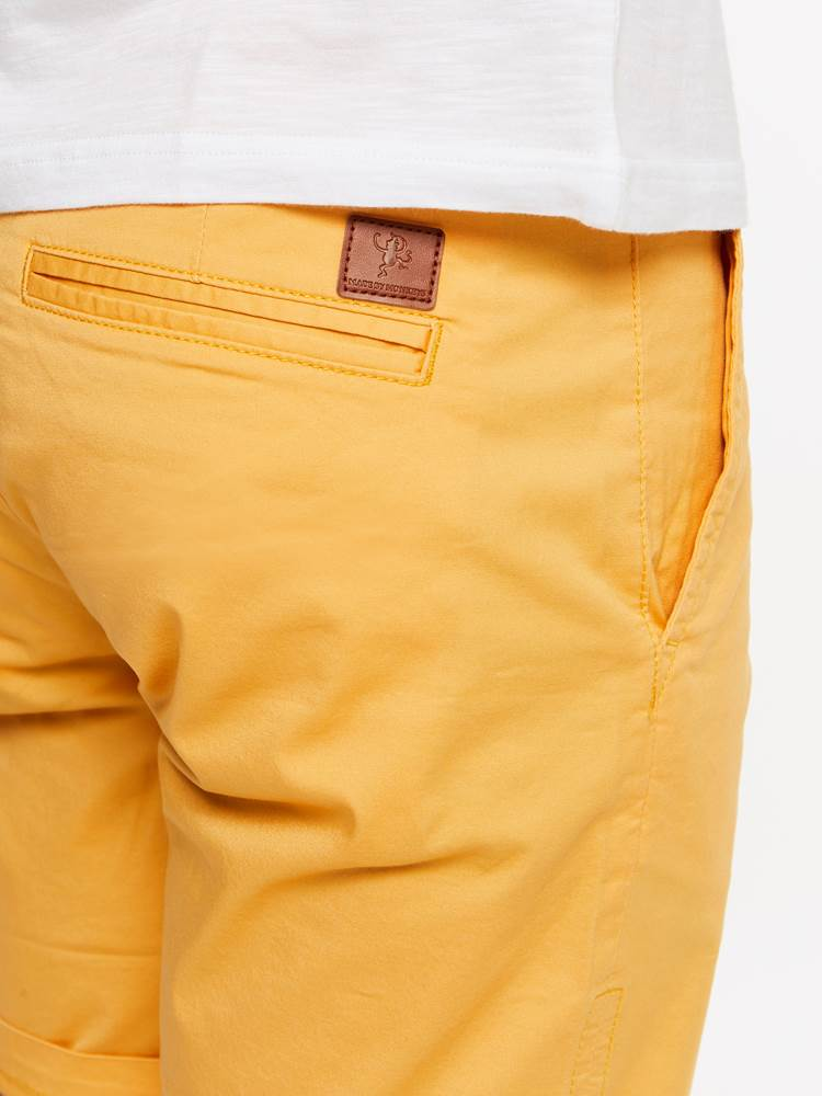 CREW CHINO SHORTS 7237709_A9M-MADEBYMONKIES-H19-details_45833_CREW CHINO SHORTS A9M.jpg_