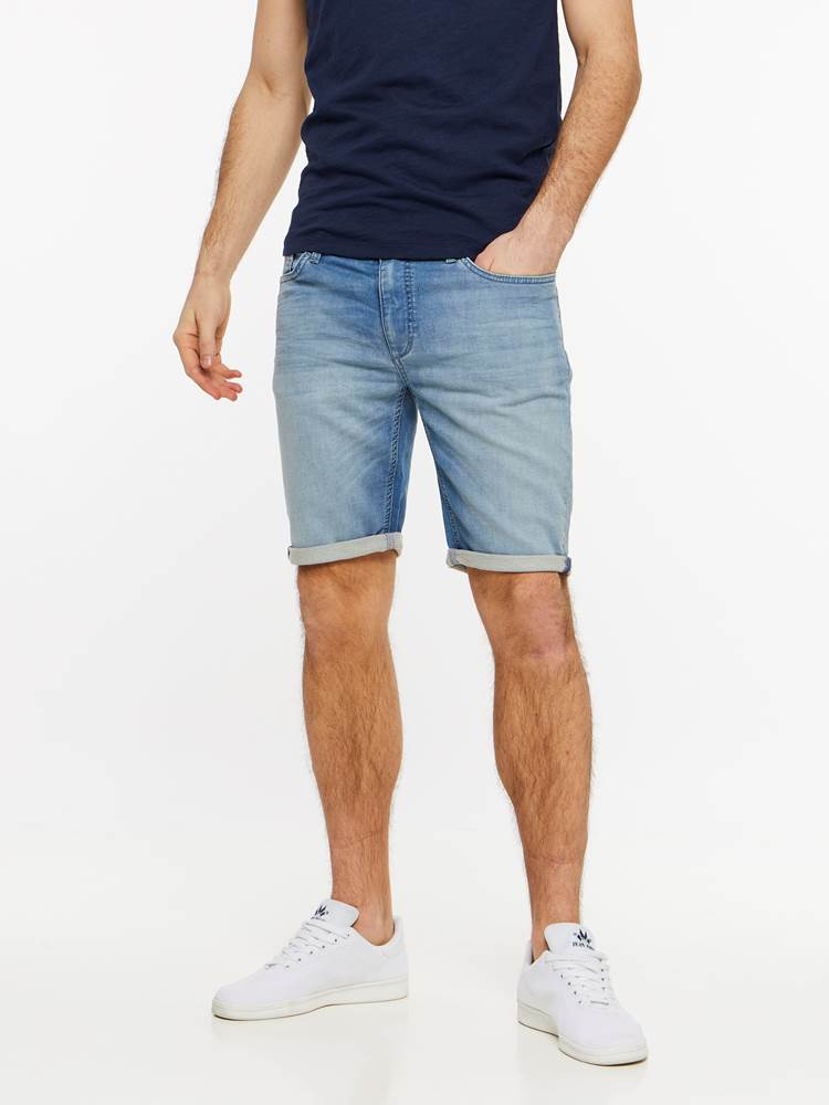SKINNY LIGHT BLUE KNIT SHORTS 7237716_DAD-HENRYCHOICE-H19-Modell-front_47221_SKINNY LIGHT BLUE KNIT SHORTS DAD.jpg_Front||Front