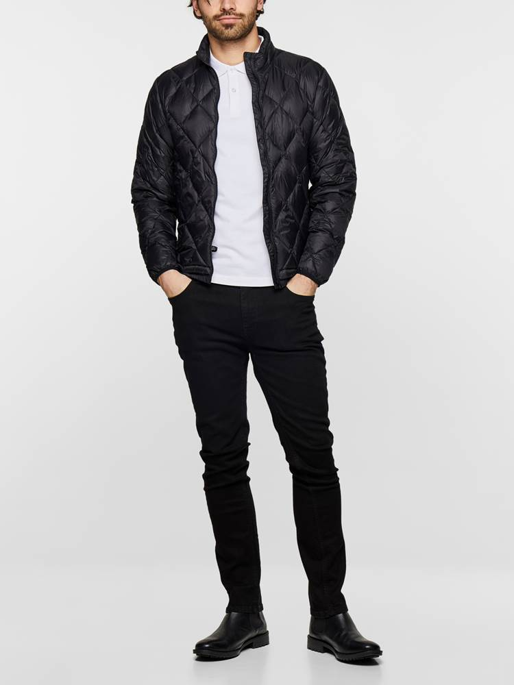 SLIM FIT BLACK BLACK STRETCH 7235365_DAI_MadeByMonkeys_S19-modell-front_SLIM FIT BLACK BLACK STRETCH JEANS DAI_SLIM FIT BLACK BLACK STRETCH DAI.jpg_Front||Front