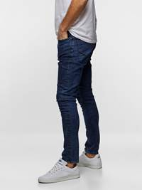SKINNY STAN DARK BLUE SUPER STRETCH 7237552_DAC-HENRYCHOICE-S19-Modell-left_10880_SKINNY STAN SUPER STRETCH JEANS DAC_SKINNY STAN DARK BLUE SUPER STRETCH DAC.jpg_Left||Left