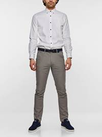 SLIM CHINO STRUCTURE STRETCH 7237631_IEF-MADEBYMONKIES-S19-Modell-front_78493_SLIM CHINO STRUCTURE STRETCH IEF.jpg_Front||Front