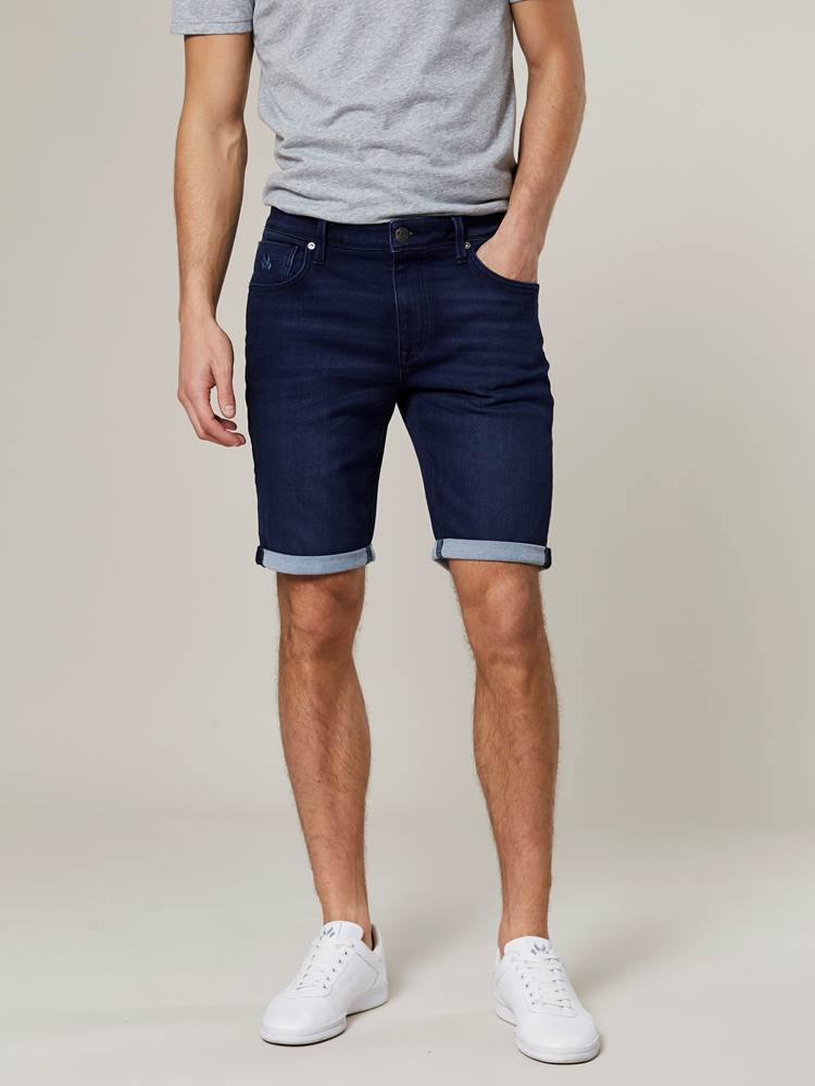Andre Knit Stretch Bermuda Shorts 7242980_D06-JEANPAUL-H20-Modell-front_66799_Andre Knit Stretch Bermuda Shorts D06.jpg_Front||Front