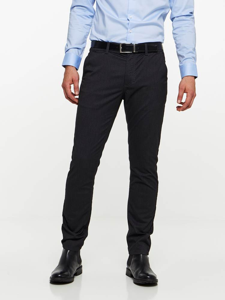 SLIM CHINO MELANGE STRETCH PANT 7239653_AN1-MADEBYMONKIES-A19-Modell-front_22319_SLIM CHINO MELANGE STRETCH PANT AN1.jpg_Front||Front