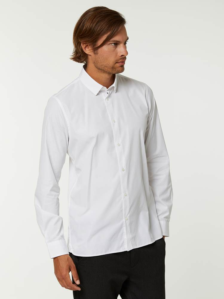 OSLO SKJORTE - TAILOR FIT 7244565_O68--A20-Modell-left_15630_OSLO SKJORTE - TAILOR FIT O68.jpg_Left||Left