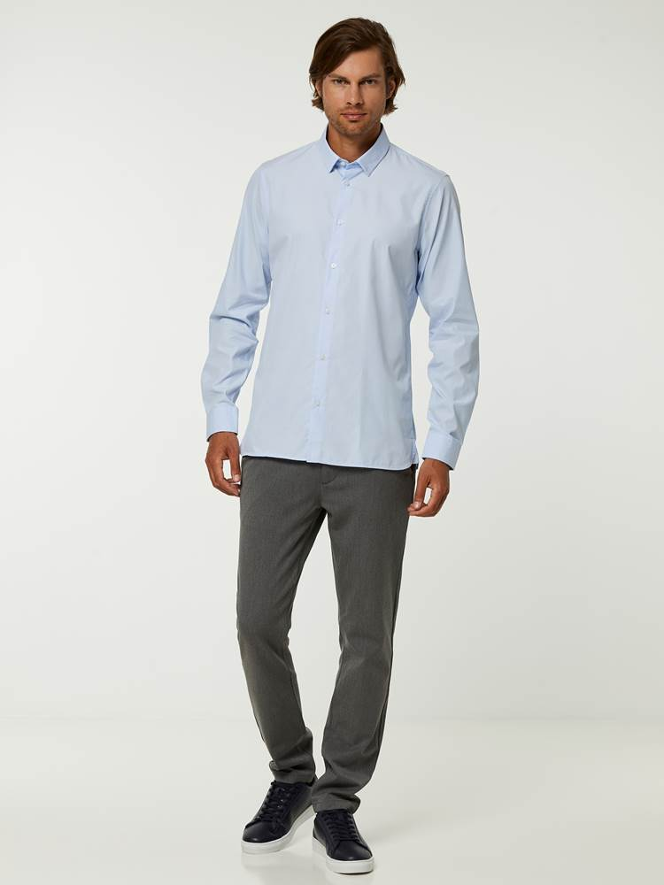 OSLO SKJORTE - TAILOR FIT 7244565_EO1-HENRYCHOICE-A20-Modell-front_41981_OSLO SKJORTE - TAILOR FIT EO1.jpg_Front||Front