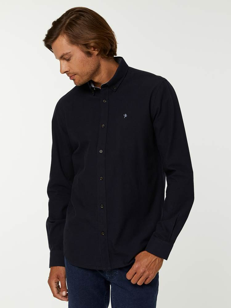 BRUSHED OXFORD SKJORTE 7244568_C27--A20-Modell-front_91651_BRUSHED OXFORD SKJORTE C27.jpg_Front||Front
