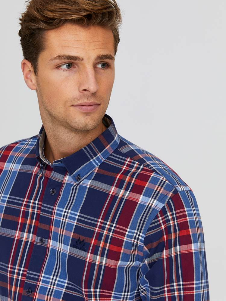 Severin Check Skjorte - Regular Fit 7244203_EGG-JEANPAUL-A20-Modell-front_8815_Severin Check Skjorte - Regular Fit EGG.jpg_Front||Front