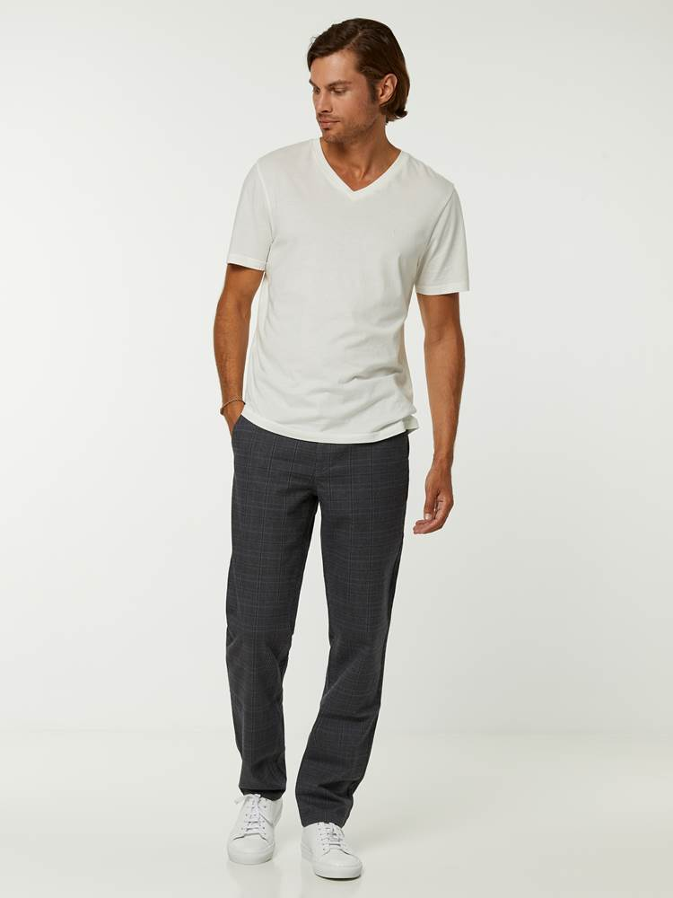 Slim Check Chino 7244878_ID9-HENRYCHOICE-A20-Modell-front_23207_Slim Check Chino ID9_SLIM CHECK CHINO ID9.jpg_Front||Front