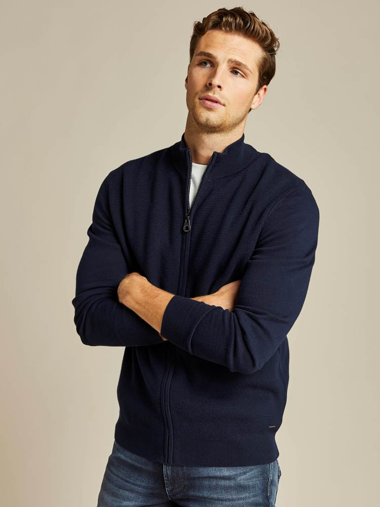 Georges Cardigan 7239109_EM6_jeanpaul_A19-modell-front_Georges Zip Cardigan EM6_Georges Cardigan EM6.jpg_